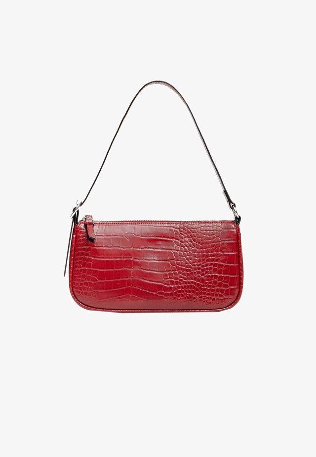 MIT KROKOPRÄGUNG  - Handbag - red