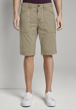 TOM TAILOR HOSEN & CHINO JOSH REGULAR SLIM SHORTS - Shorts - honey camel beige