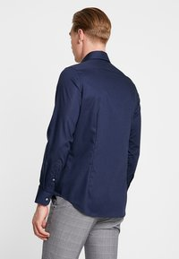 Seidensticker - SLIM SPREAD KENT PATCH - Formal shirt - dunkelblau - 2