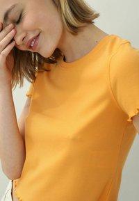 Pimkie - Print T-shirt - orange - 3