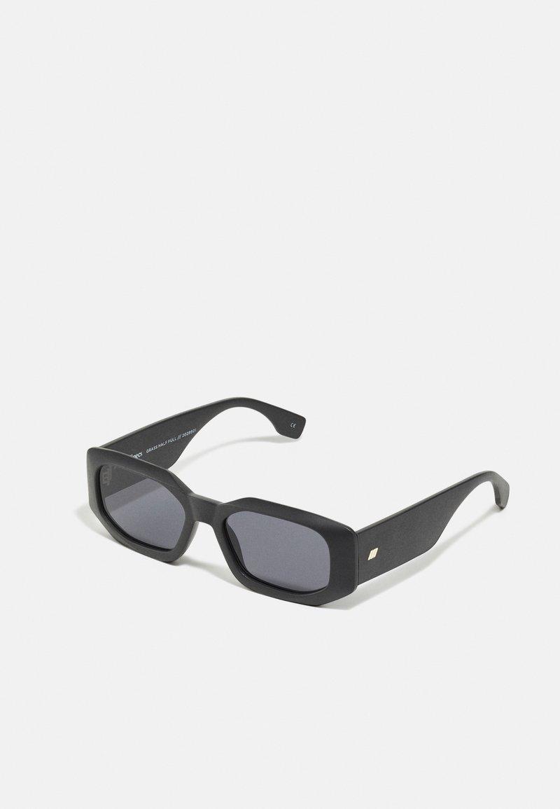 Le Specs - SUSTAIN HALF FULL - Sluneční brýle - black grass
