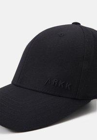 ARKK Copenhagen - CLASSIC BASEBALL UNISEX - Lippalakki - black - 3