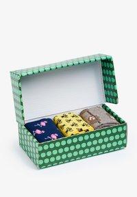 Natural Vibes - ANIMALS GIFT BOX ORGANIC COTTON SOCKS - Socks - green - 4