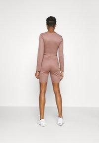 Missguided - RIB CROP TOP & CYCLING SHORT SET - Shorts - brown - 2