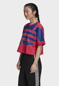adidas Originals - ADICOLOR LARGE LOGO T-SHIRT - T-shirts print - pink - 2