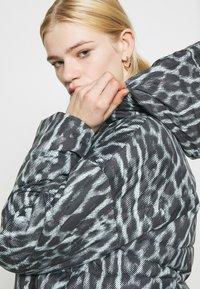 Nike Sportswear - Winter jacket - smoke grey/black/white - 4