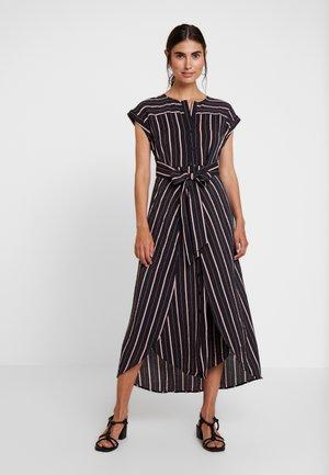CHIC STRIPE WRAP WAIST DRESS - Robe longue - rich black