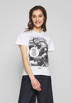 FREAK OUT - T-shirt z nadrukiem - white