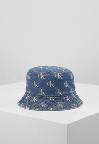 Calvin Klein Jeans - MONOGRAM BUCKET ALLOVER - Hatt - denim - 3