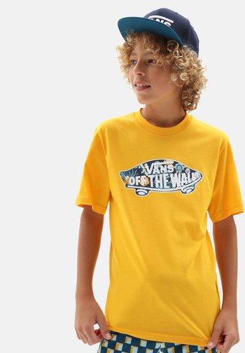BY OTW LOGO FILL  - Print T-shirt - saffron/califas