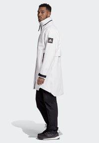 adidas Performance - MYSHELTER RAIN.RDY PARKA - Parka - white - 3