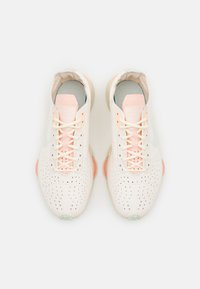 Nike Sportswear - ZOOM TYPE - Trainers - pale ivory/barely green/crimson tint/white - 4