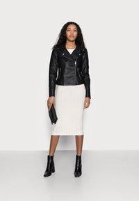 Noisy May Petite - NMREBEL - Faux leather jacket - black - 1