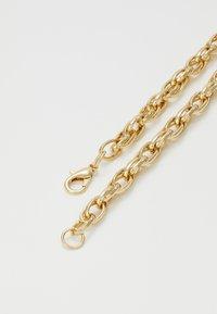Burton Menswear London - MEGA BLING CROSS - Ketting - gold-coloured - 1