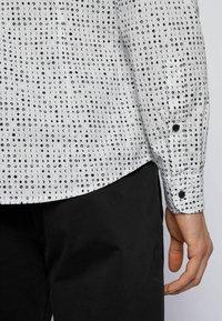BOSS - BANKS - Camicia - white - 4