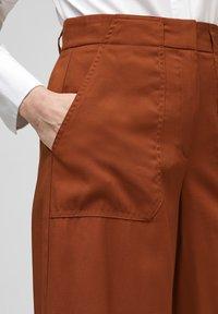 s.Oliver BLACK LABEL - Short - americano brown - 3