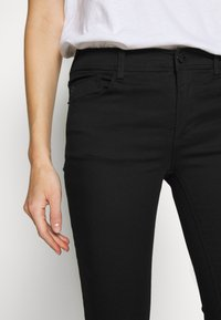 Emporio Armani - 5 POCKETS PANT - Jeans Skinny Fit - black - 3