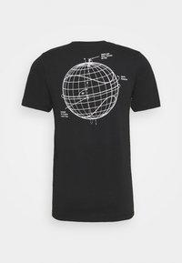 Nike Sportswear - Triko spotiskem - black - 8