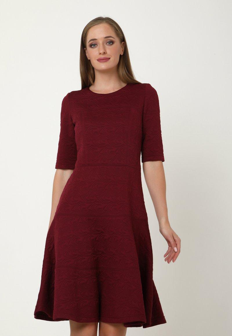 Madam-T - Day dress - weinrot