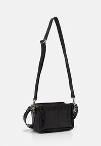 Núnoo - ELLIE CROCO - Handbag - black - 1