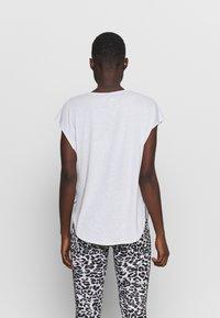 Cotton On Body - ACTIVE SCOOP HEM - T-shirt basic - grey marle - 2