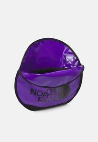 MM6 Maison Margiela - Taška spříčným popruhem - royal purple - 4