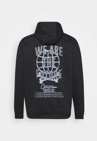 Common Kollectiv - FUTURE HOOD UNISEX  - Sweatshirt - black - 8