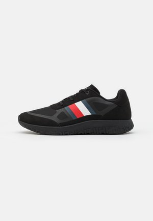 LIGHTWEIGHT MODERN RUNNER - Trainers - black