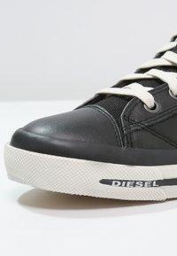 Diesel - EXPOSURE I - Zapatillas altas - black - 6