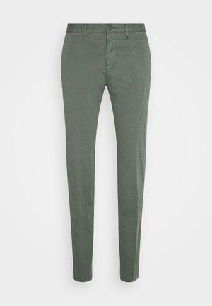 Chinos - balsam green