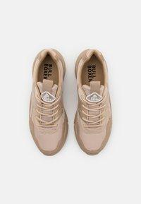 Bullboxer - Sneakersy niskie - light brown - 5