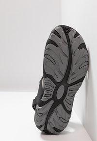 Hi-Tec - CRATER - Chodecké sandály - charcoal/cool grey - 4