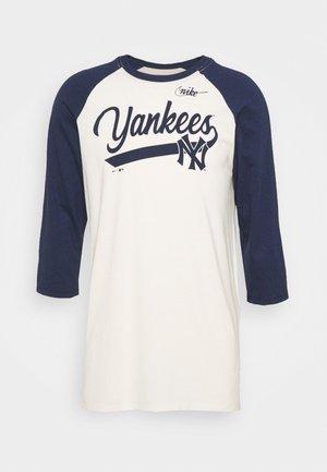 MLB NEW YORK YANKEES COOPERSTOWN SCRIPT - Equipación de clubes - flat opal/midnight navy