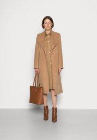 Selected Femme - SLFROSE COAT - Classic coat - camel - 1