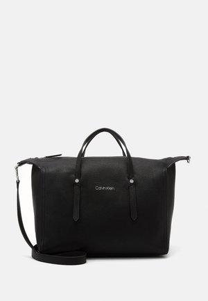 EVERYDAY DUFFLE  - Handbag - black