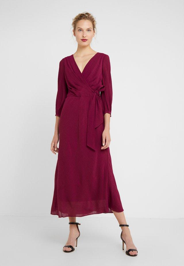 AVIAH - Koktejlové šaty/ šaty na párty - exotic ruby
