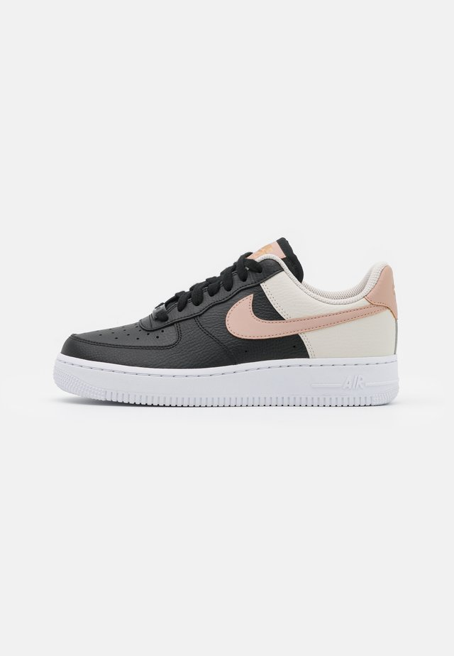 AIR FORCE 1 - Trainers - black/metallic red bronze/light orewood brown/white