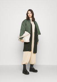 Pieces - PCDORITA COATIGAN - Krátký kabát - duffel bag - 1
