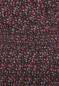 ONLY - ONLPELLA DRESS - Denní šaty - black/route ditsy - 6