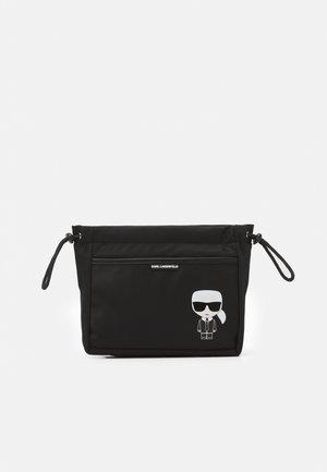 IKONIK TRAVEL POUCH - Wash bag - black