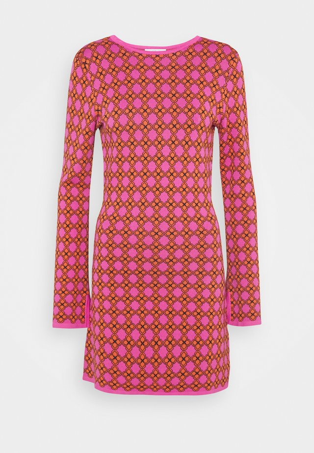 MOSAIC TILE SWING DRESS - Neulemekko - pink