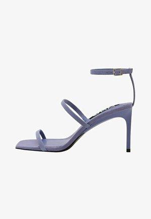 Sandály na vysokém podpatku - lavande