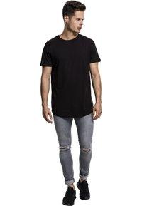 Urban Classics - SHAPED LONG TEE DO NOT USE - T-shirt - bas - black - 0