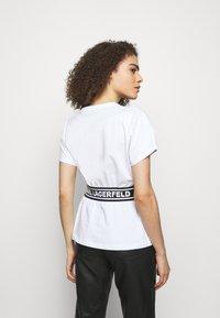 KARL LAGERFELD - LOGO TAPE - Pyjama top - white - 2