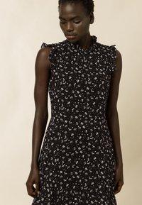 IVY & OAK - Maxi dress - aop- black - 3