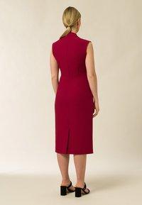 IVY & OAK - HIGH COLLAR DRESS - Tubino - cassis sorbet - 1