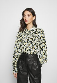 Monki - NALA BLOUSE - Button-down blouse - black dark unique - 0