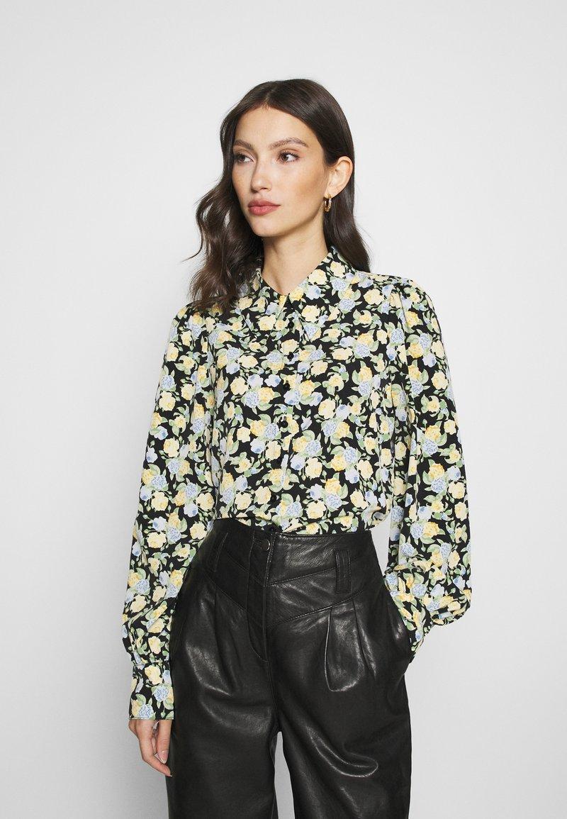 Monki - NALA BLOUSE - Button-down blouse - black dark unique