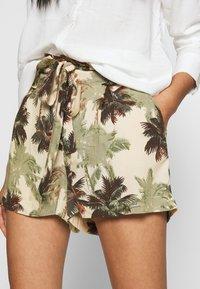 Superdry - DESERT STRIPE - Shorts - brown palm - 3