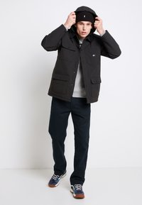 Vans - DRILL CHORE COAT - Light jacket - black - 1